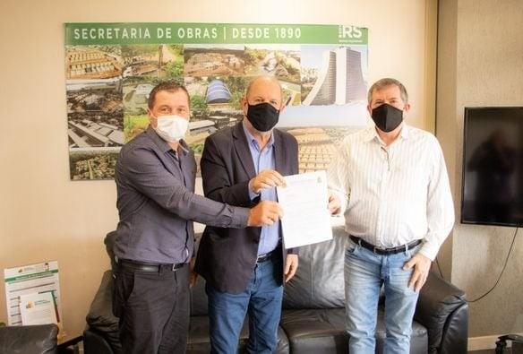 Agenda de visitas na Capital Estadual - Prefeito e Vereador Claudemir Gambin