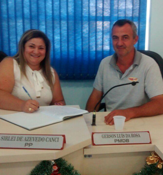 Vice-Presidente do Legislativo, Gerson Luís da Rosa assume a Presidência e os trabalhos na Câmara na ausência da Presidente Sirlei de Azevedo Canci, que assume o Executivo Municipal